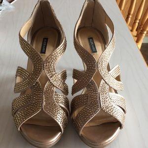 Lightly worn Alex Marie heels 💛